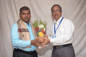 गोगटे जोगळेकर महाविद्यालयात प्रबंधक श्री. मोहन कांबळे यांचा सदिच्छा समारंभ संपन्न