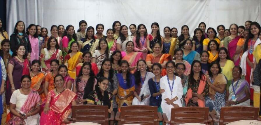 गोगटे जोगळेकर महाविद्यालयात 'महिला दिन' विविध कार्यक्रमांनी उत्साहात साजरा